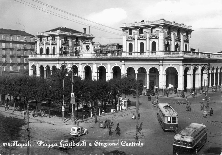 Napoli-Pza_Garibaldi_e_vecchia_stazione_centrale